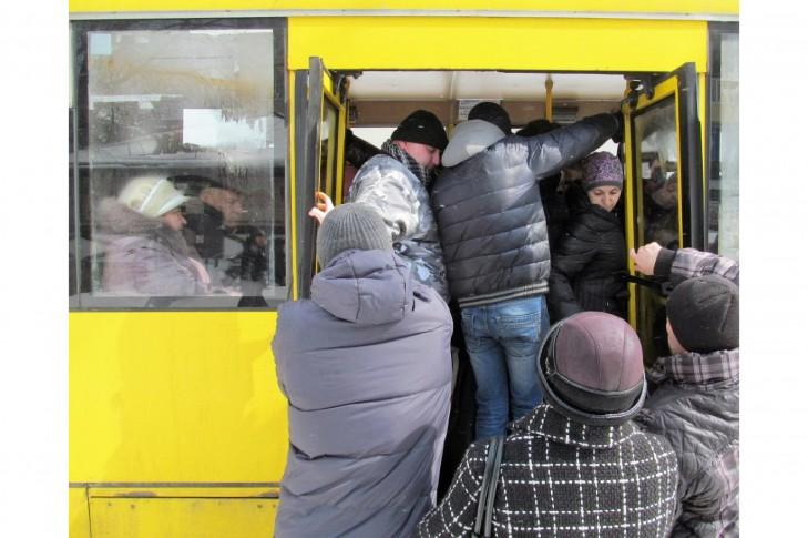 Скасувати рішення Київради про підвищення вартості проїзду в наземному громадському транспорті Києва з 14 липня 2018 року!