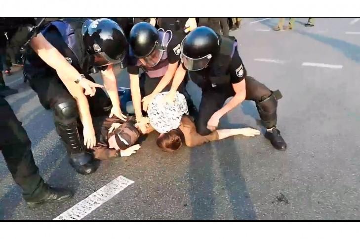 Київська поліця б'є сімейних активістів