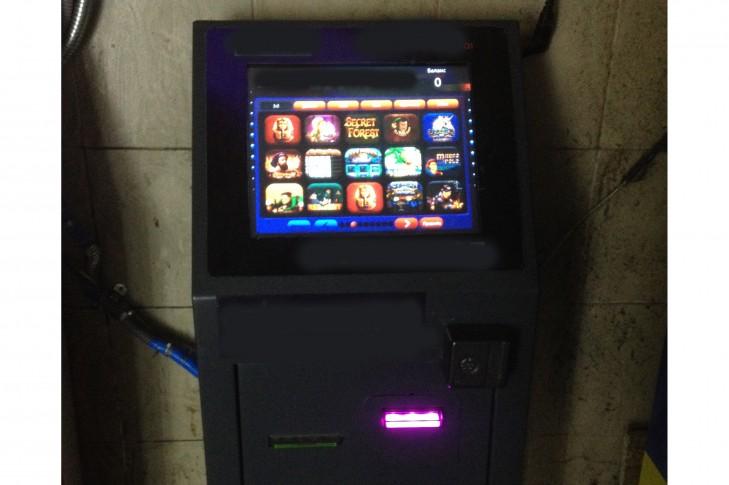 гральний автомат на Либідській
