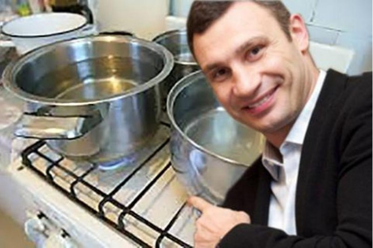 Пропоную звільнити мера м. Києва, В. Кличко за неспроможність вирішити питання гарячого водопостачання киян.